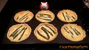 asparagus and smoked salmon tartlets